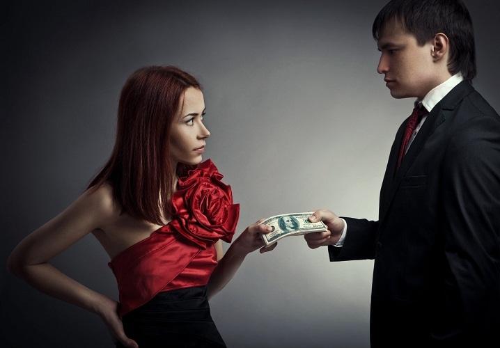 Не передавайте деньги просто в руки