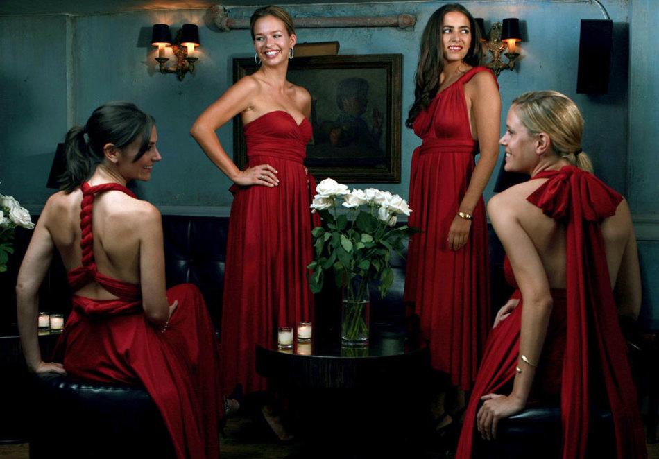 platya-transformeri-dlya-podruzhek-nevesti-v-krasnom-cvete Платье трансформер: варианты вечерних платьев. Как сшить платье со съемной юбкой своими руками?
