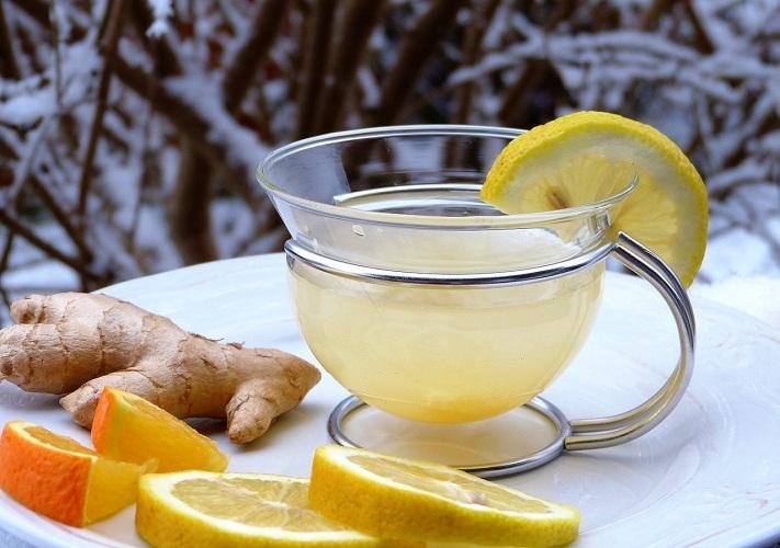 Маринад из лимона и имбиря идеально воссоздаст рисовый уксус