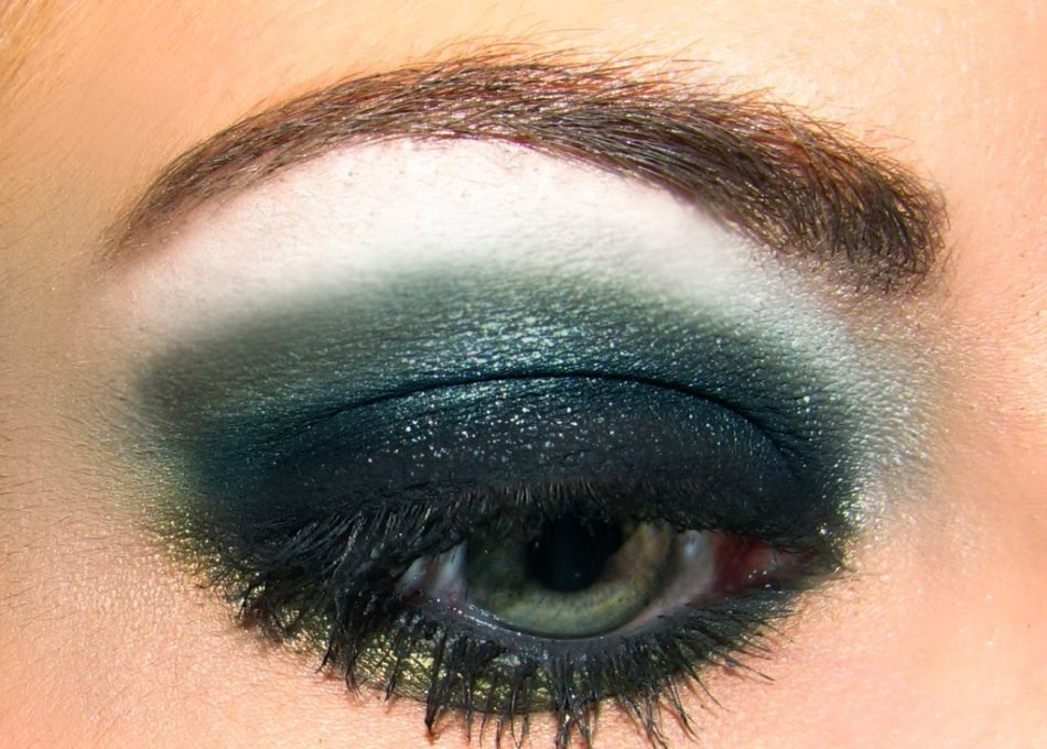 Вечерний мейкап для зелёных глаз