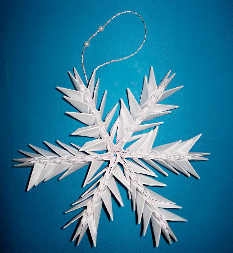 snezhinka-origami-foto2 Как крючком связать красивую снежинку? Снежинки крючком: узор, схемы с описанием для начинающих