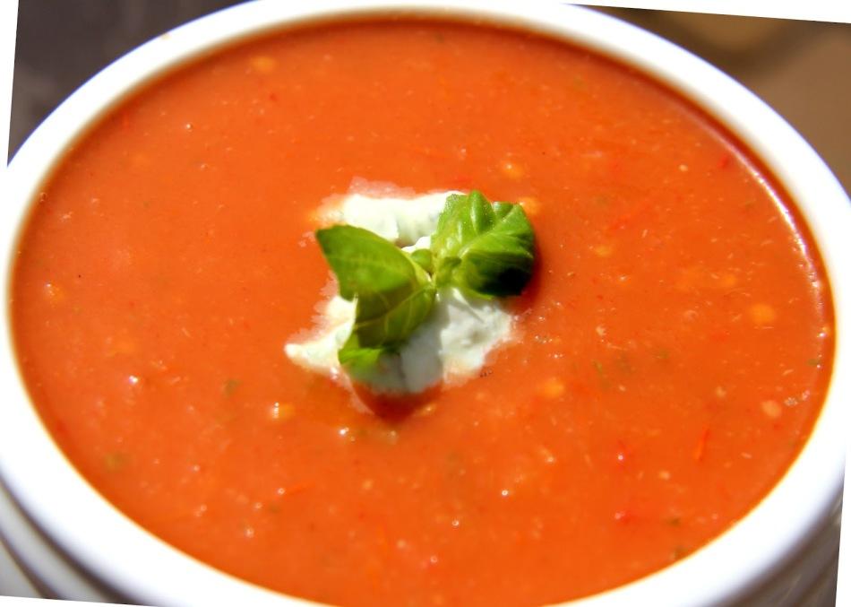 Сельдереевый-суп-с-томатным-соком