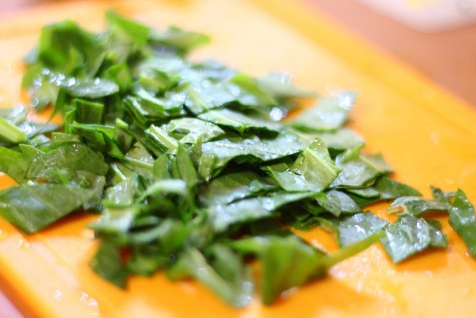 Борщ и пироги со щавелем - вкусные витаминные блюда