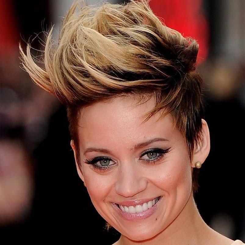 takzhe-yeffektno-ombre-viglyadit-na-ochen-korotkih-volosah Омбре на короткие волосы: варианты окрашивания, фото. Омбре окрашивание на темные короткие волосы и блонд в домашних условиях: фото