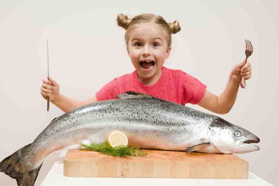 Чтобы получить норму омега - 3, ребенок должен есть рыбу 5 дней в неделю.