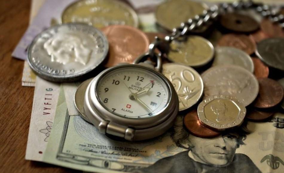 Мелкие монеты для выкупа подарка-часов