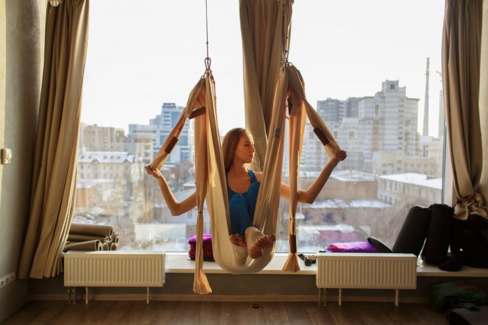 Гамак для йоги - подарок для девушки для спорта и релакса одновременно