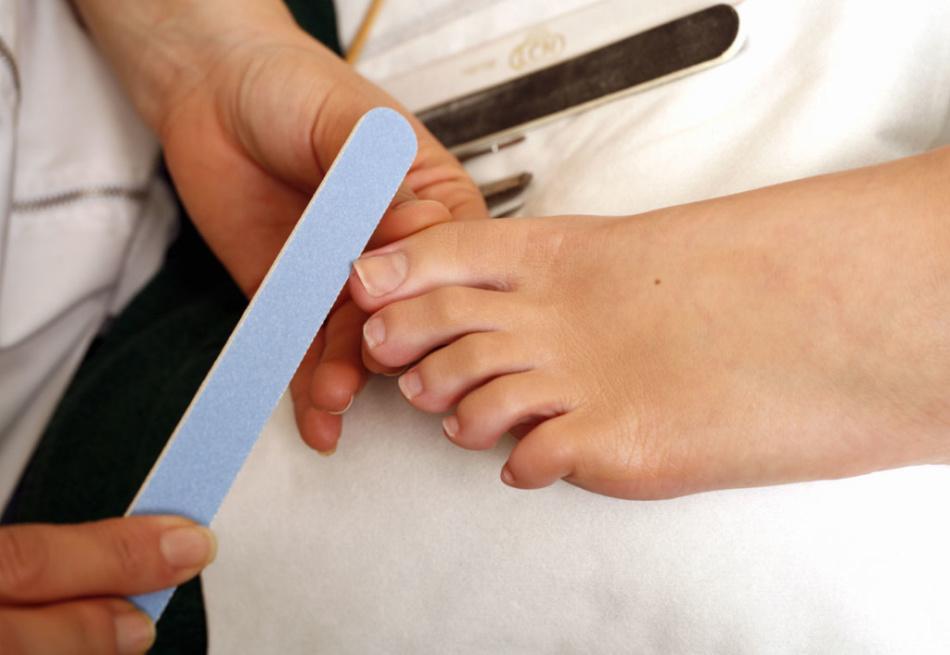 Уход за ногтиками
