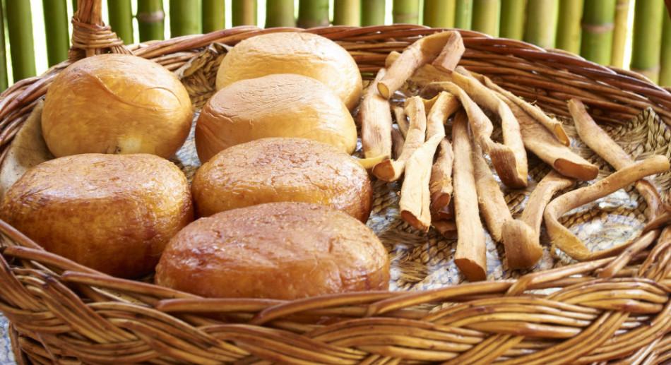 Испеченный в страстную пятницу хлеб становится оберегом на весь год