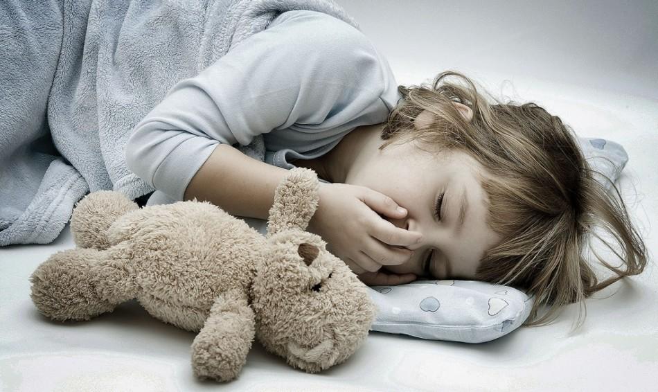 Тошнота и сонливость у ребенка - признак паразитарной инвазии.