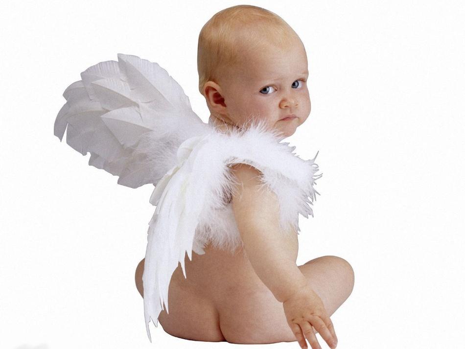 Малыш - ангелочек