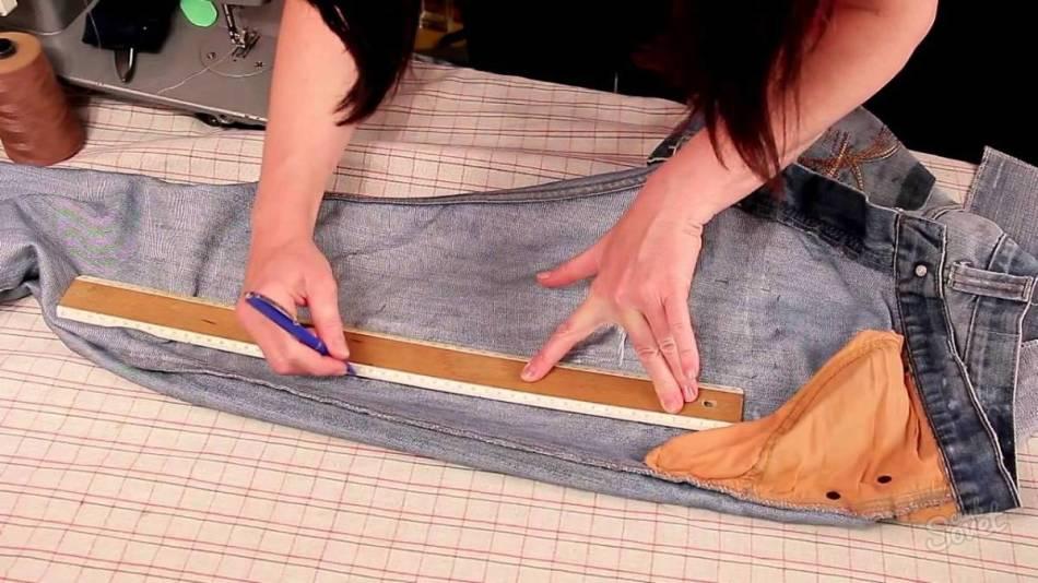 dlya-ushivki-dzhins-v-nogah-glavnoe---pravilnie-zameri Как ушить джинсы по бокам в домашних условиях? Как ушить джинсы в поясе, в талии?