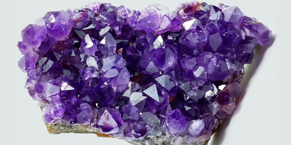 Насыщенный фиолетовый аметист