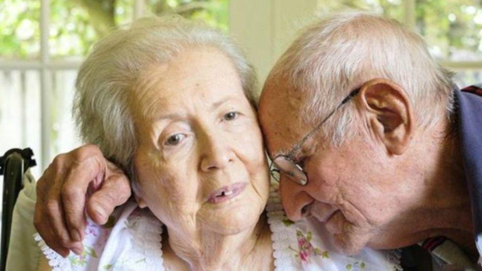 Болезнь альцгеймера неизлечима и прогрессирует достаточно быстро