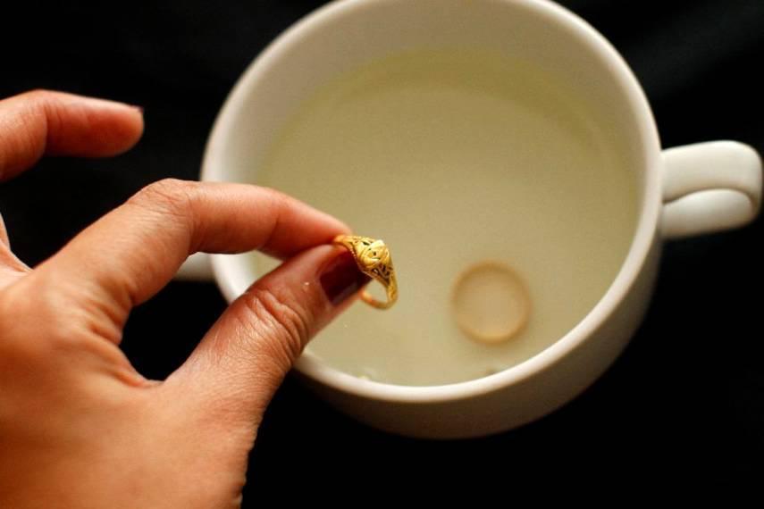 Проверка золота уксусом.