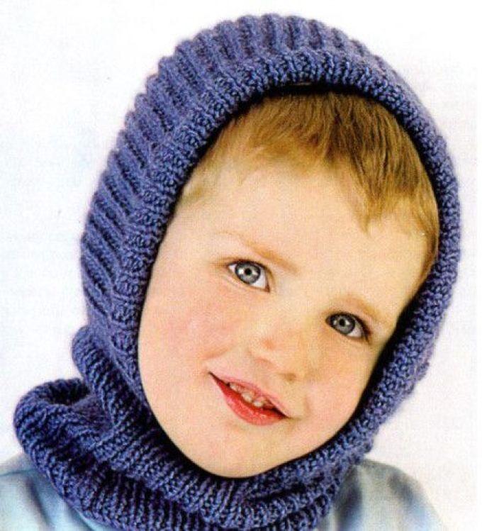 sinyaya-shapochka--shlem-dlya-malchika-spicami Шапка спицами для мальчика на весну, осень, зиму: описание и схема. Как связать детскую шапку для мальчика спицами шлем, ушанку, миньон, с шарфом?