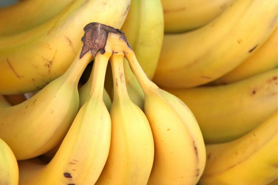 Польза бананов для лица