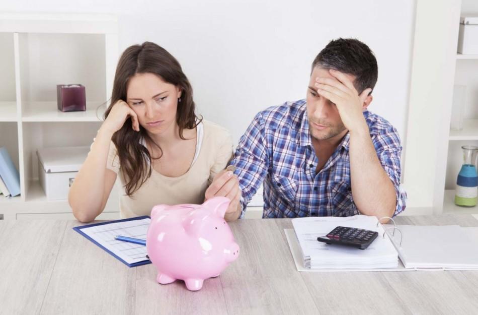 Чтобы не остаться без денег, уходить в декрет стоит, имеет минимальный трудовой стаж 2 года