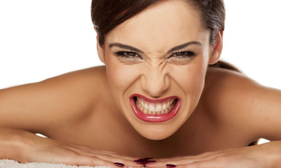Бруксомания - приступы скрежетания зубами в сознательном состоянии