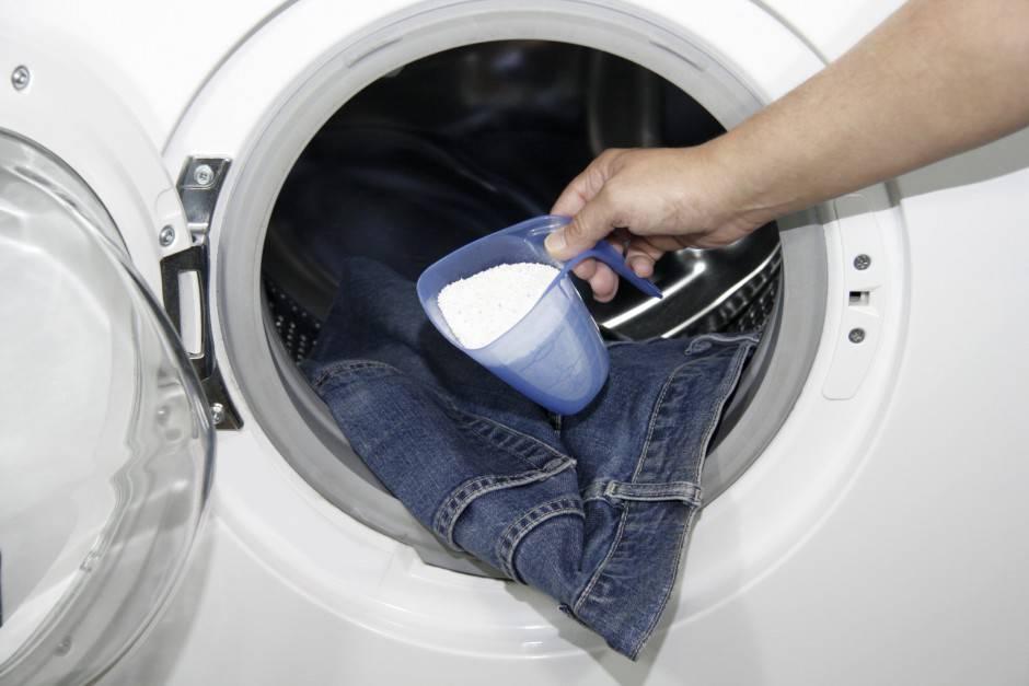 Можно ли засыпать порошок напрямую в барабан стиральной машинки?