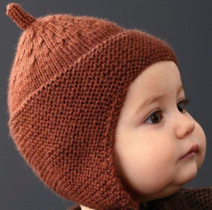 shapochka-quotbudenovkaquot Шапка спицами для мальчика на весну, осень, зиму: описание и схема. Как связать детскую шапку для мальчика спицами шлем, ушанку, миньон, с шарфом?