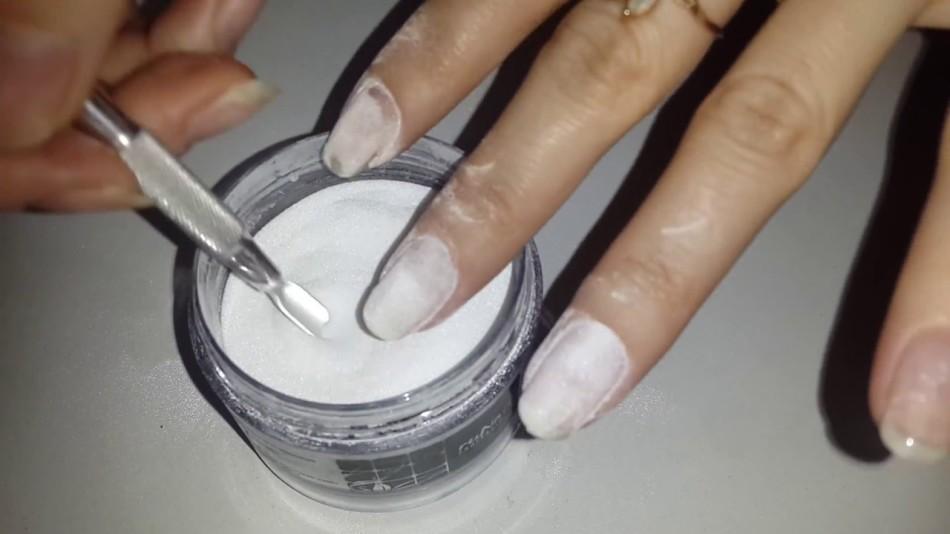 Укрепление ногтей акриловой пудрой