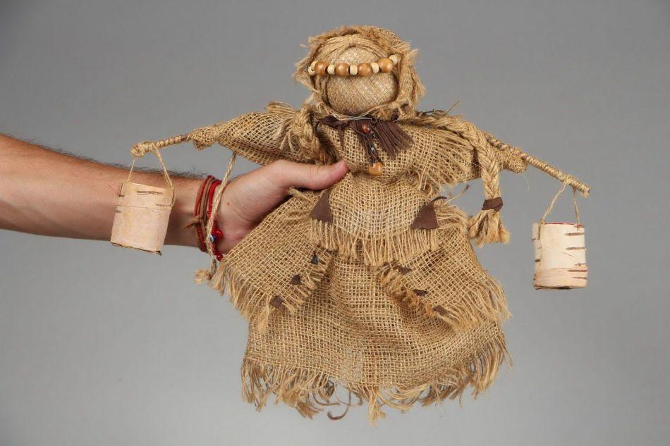 ukolka-iz-beresti-i-meshkovini-bila-harakterna-dlya-severnih-slavyan Народная кукла своими руками из ткани: мастер-класс с фото и видео
