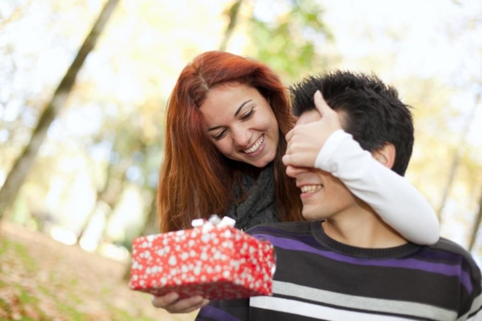 Как выбрать подарки по знакам зодиака