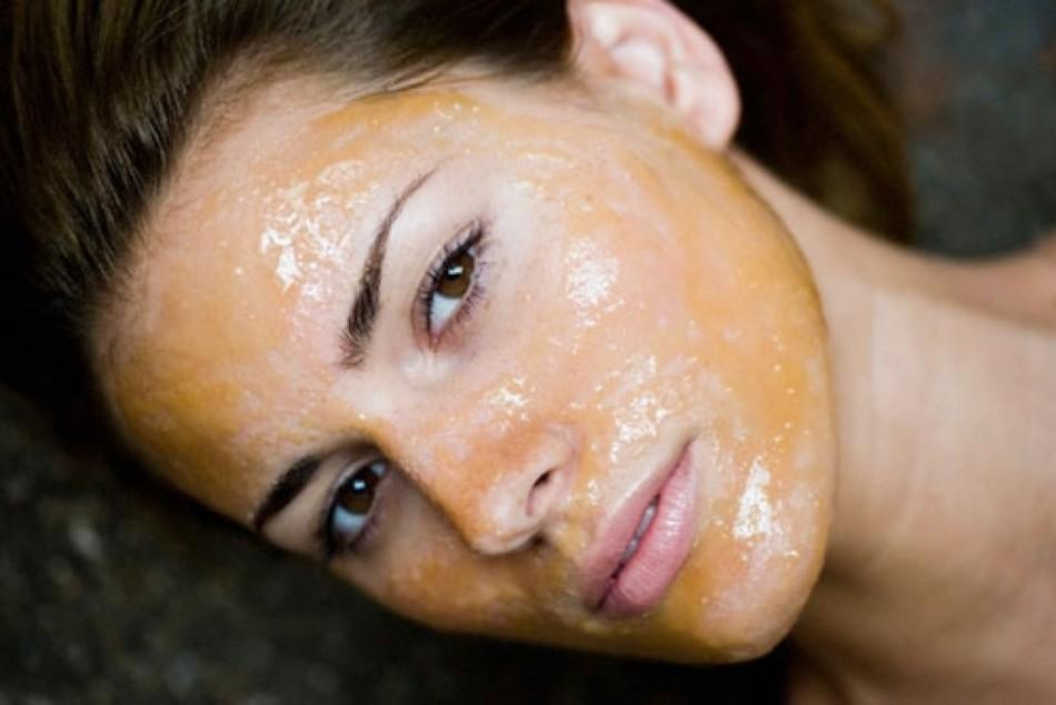 Сухая кожа лица требует деликатного очищени