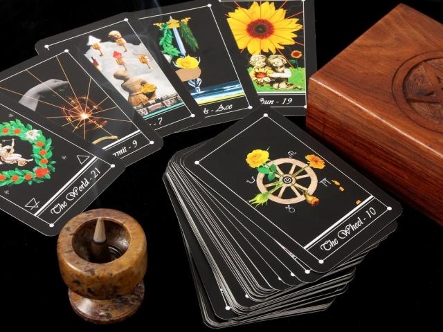 Гадание картах таро научиться гадание таро на мысли чувства мужчины