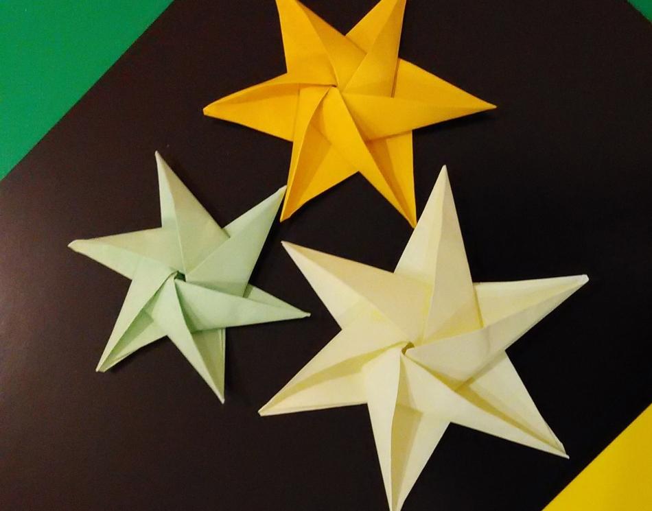 origami-zvezda Как сделать объемную звезду из бумаги своими руками: 3D звезда оригами, объемная звезда к Новому году, звезда-оригами четырехконечная, звезда Фребеля — интересные идеи для поделок