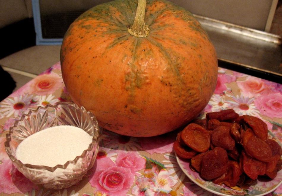 Продукты для варенья и тыквы и кураги