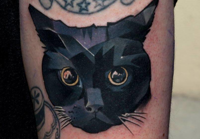 Черный кот - татуировка на руку