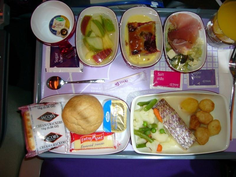 Пищевые продукты, которые вы берете с собой в поезд не должны быть скоропортящимися