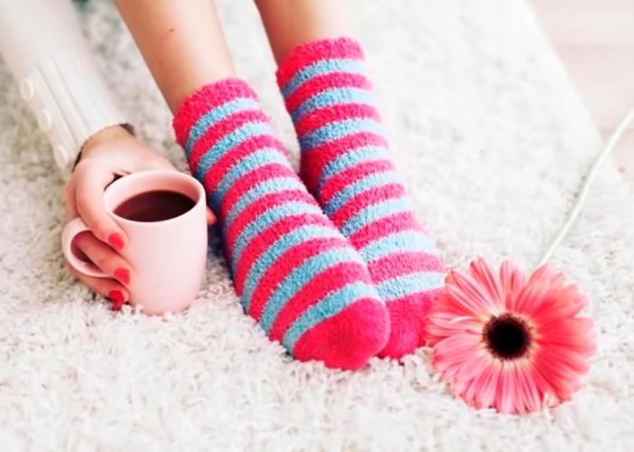 Холод в ногах может быть связан с недугами