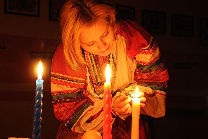Домашние гадания на Рождество в ночь с 6 на 7 января 2019: на желание, любовь, суженого, будущее