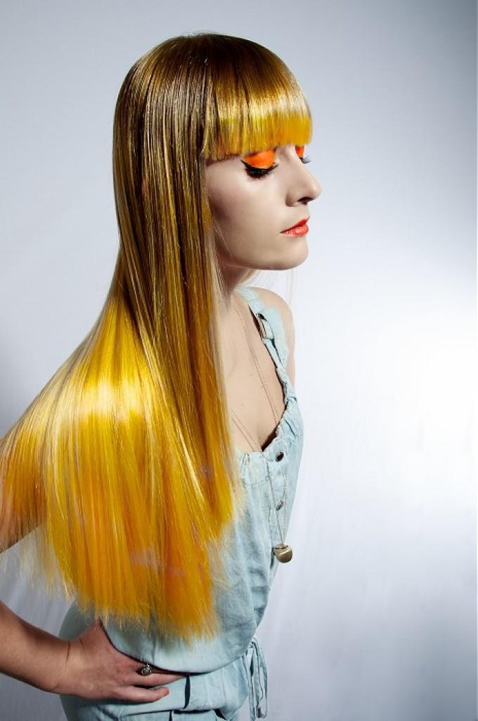 Желтое омбре на пшенично-русые волосы