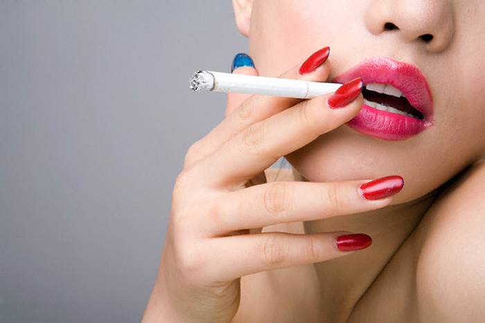 Женщине с именем дарья категорически нельзя курить.
