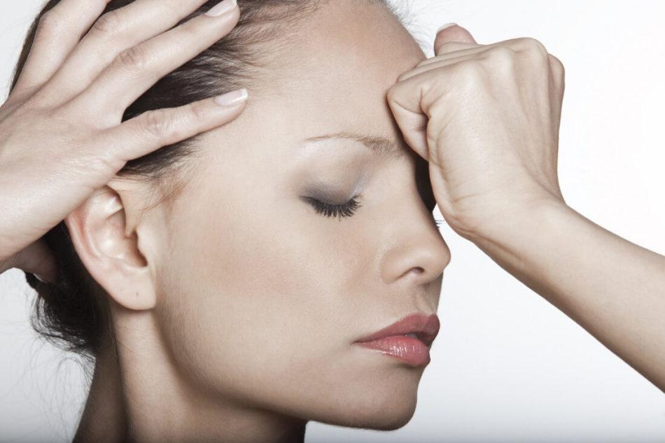 Болят корни волос, кожа головы. Почему болят корни волос на голове? Что делать, если болят корни волос?