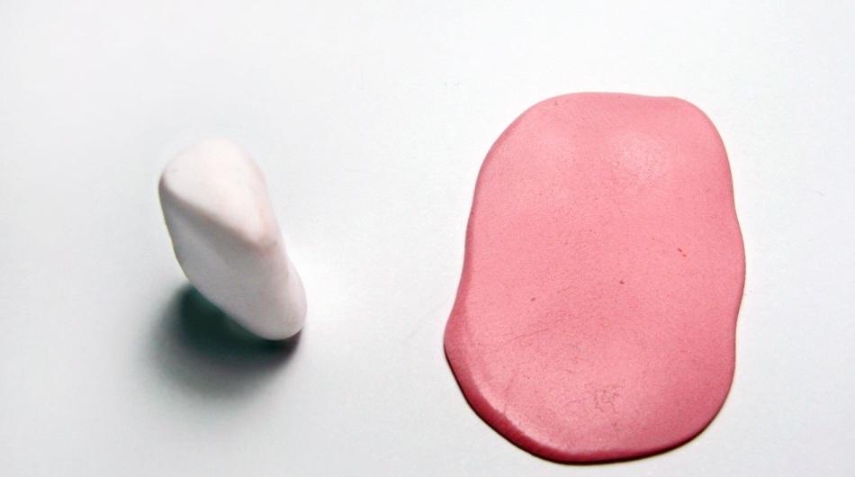 iz-polimernoi-glini-nuzhno-sdelat-treugolnik-i-plast Изделия, поделки из полимерной глины: мастер класс для начинающих своими руками