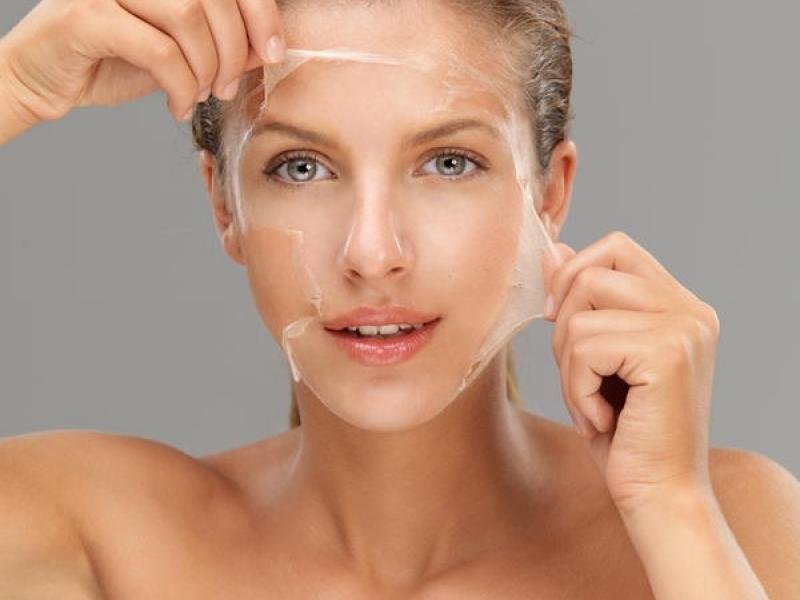Лучший способ {amp}quot;почистить{amp}quot; лицо - сделать желатиновую маску