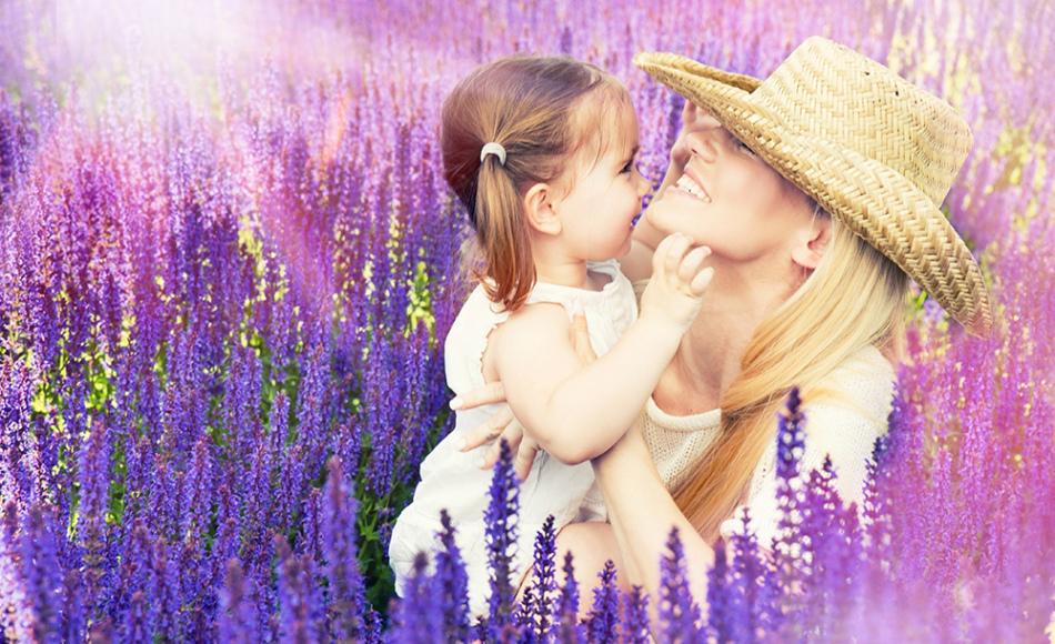 Мама и ребенок, лаванда