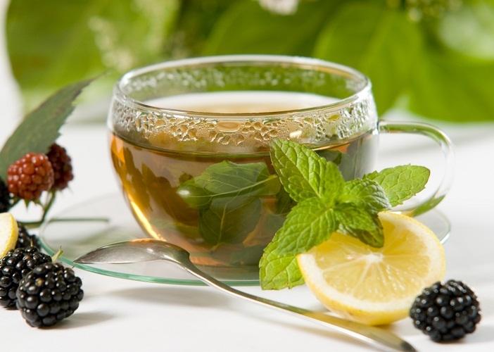 Среди народных средств чай с мятой - это отличное успокаивающее средство