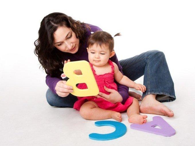 С какого возраста начинать учить буквы?