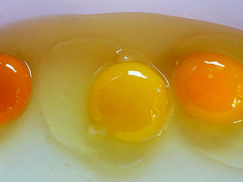 Употребление сырых яиц может иметь негативные последствия