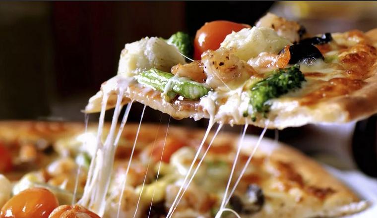 Тесто для пиццы дрожжевое тонкое, мягкое и быстрое на оливковом масле