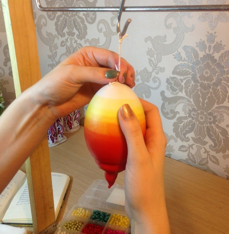 formirovanie-gradienta-u-zagotovki-svechi Свечи своими руками из восковых мелков в домашних условиях