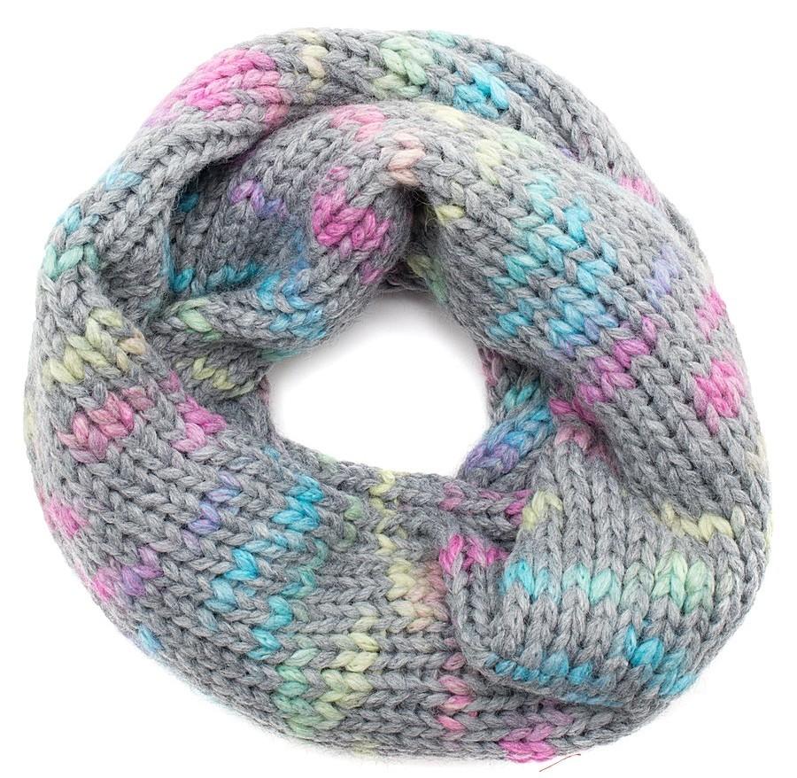 snud-spicami-iz-sekcionnoi-pryazhi Снуд спицами для женщин: схемы вязания, новинки, узоры, размеры. Как связать красивый шарф снуд хомут, капюшон, трубу, с косами, ажурный спицами с описанием?