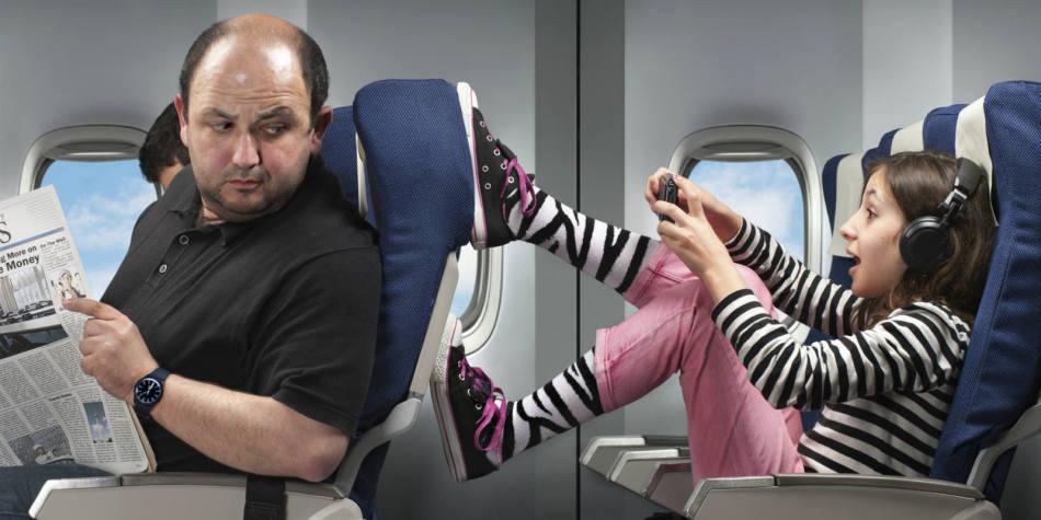 Уделяйте время на обсуждение правил поведения детей во время перелета