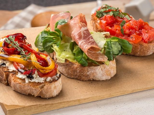 Итальянская закуска — брускетта: 25 лучших рецептов вкусной брускетты